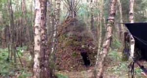 Survival-teepee-debris-shelter-1